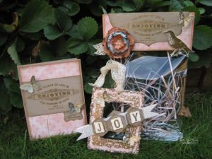 Vintage Inspired Ornament Gift Set